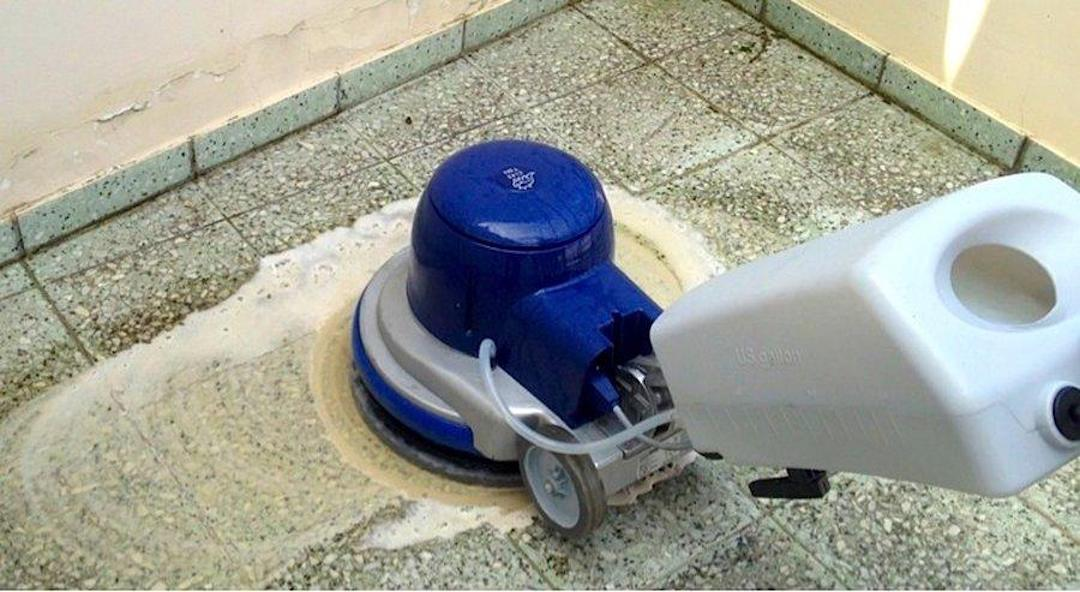Čištění a mytí teracové dlažby